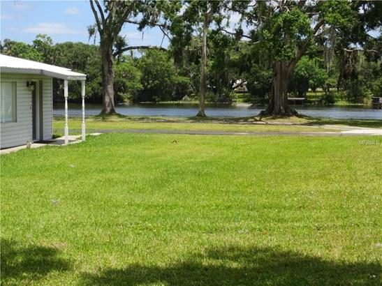 Single Family Residence, Ranch - ASTOR, FL (photo 4)