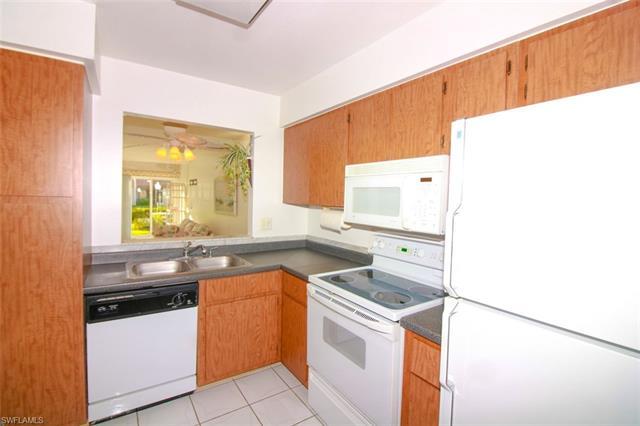 6300 S Pointe Blvd 322 322, Fort Myers, FL - USA (photo 3)