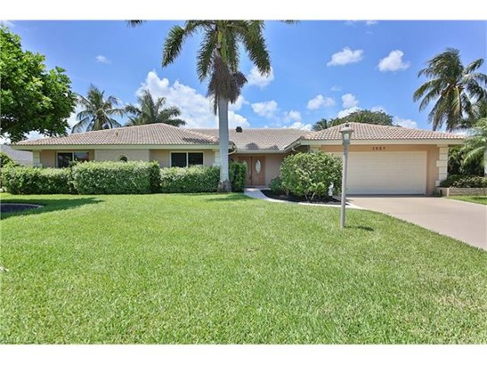 1027 S Town And River Dr, Fort Myers, FL - USA (photo 1)