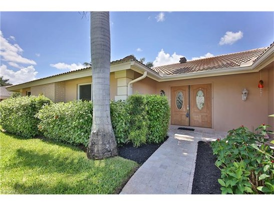 1027 S Town And River Dr, Fort Myers, FL - USA (photo 2)