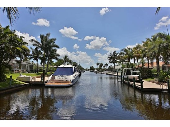 1027 S Town And River Dr, Fort Myers, FL - USA (photo 3)
