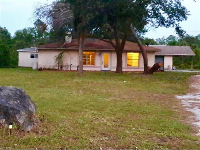 808 Grant Ave, Lehigh Acres, FL - USA (photo 1)