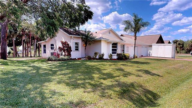 319 Cleveland Ave, Lehigh Acres, FL - USA (photo 1)