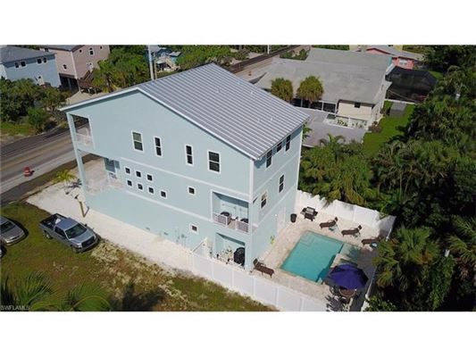 5335 Estero Blvd, Fort Myers Beach, FL - USA (photo 1)
