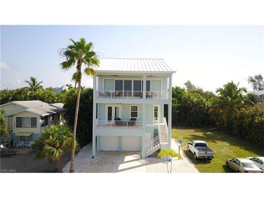 5335 Estero Blvd, Fort Myers Beach, FL - USA (photo 2)
