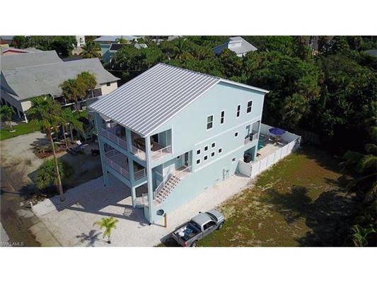 5335 Estero Blvd, Fort Myers Beach, FL - USA (photo 3)