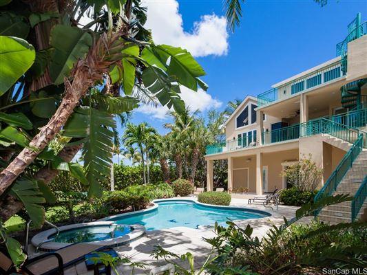 Sanibel, FL - USA (photo 2)