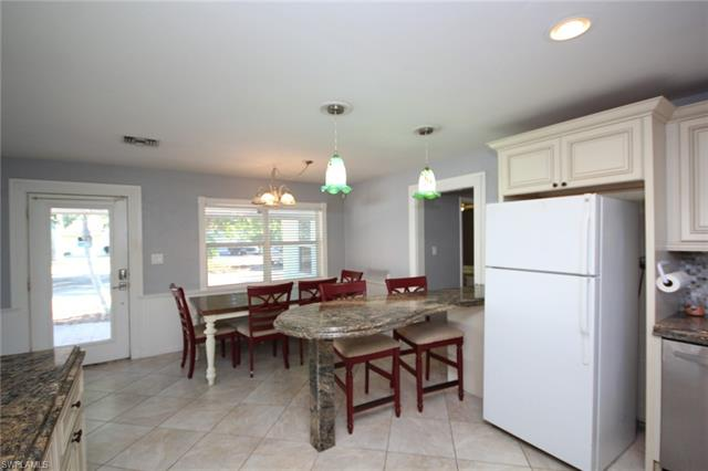 16 Estate Dr, North Fort Myers, FL - USA (photo 4)