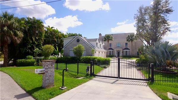 1807 Coral Cir, North Fort Myers, FL - USA (photo 1)