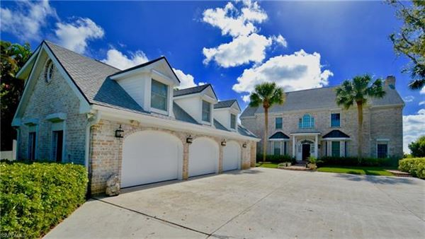 1807 Coral Cir, North Fort Myers, FL - USA (photo 2)