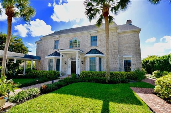 1807 Coral Cir, North Fort Myers, FL - USA (photo 3)