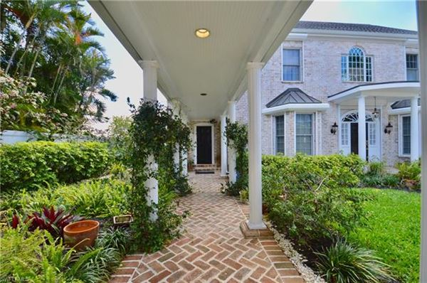 1807 Coral Cir, North Fort Myers, FL - USA (photo 4)