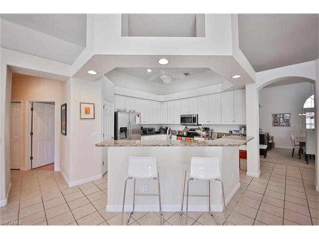 13696 Bald Cypress Cir, Fort Myers, FL - USA (photo 5)
