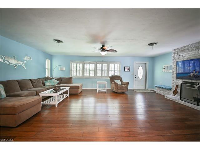 1360 Melaleuca Ln, Fort Myers, FL - USA (photo 3)