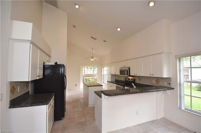 12646 Shannondale Ct, Fort Myers, FL - USA (photo 5)