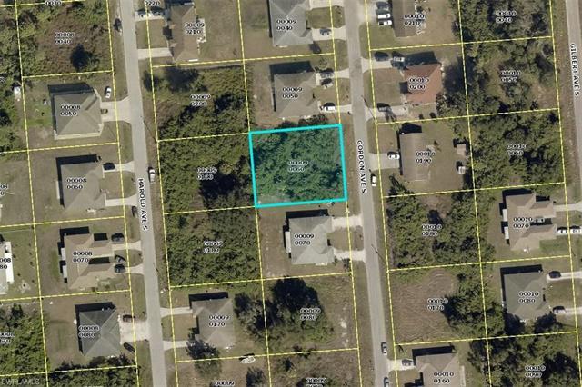320 Gordon Ave S, Lehigh Acres, FL - USA (photo 2)