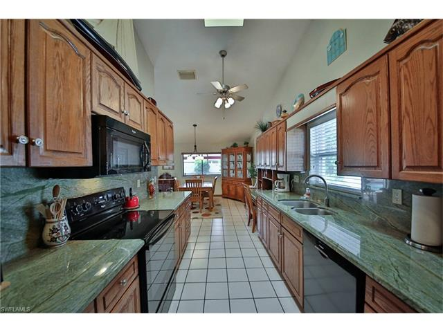 5828 Casablanca Ct, Fort Myers, FL - USA (photo 5)