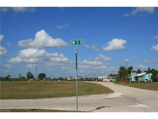 325 Sw 2nd St, Cape Coral, FL - USA (photo 2)