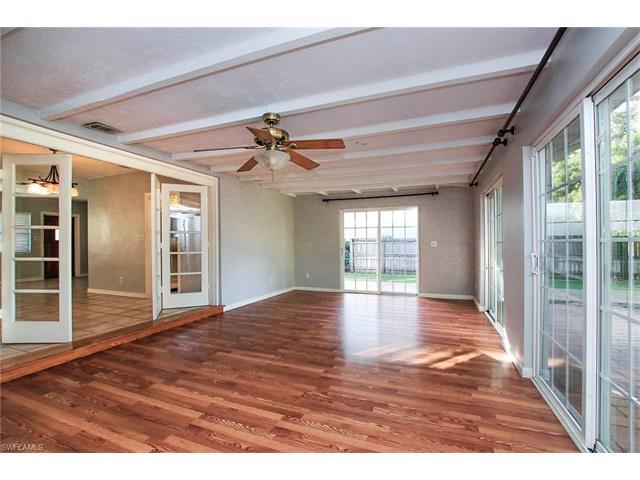 1349 Alcazar Ave, Fort Myers, FL - USA (photo 2)