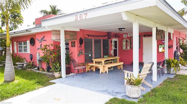267 Flamingo St, Fort Myers Beach, FL - USA (photo 2)