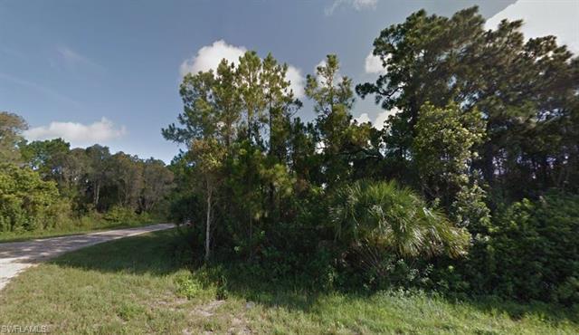 525 Nimitz Blvd, Lehigh Acres, FL - USA (photo 2)