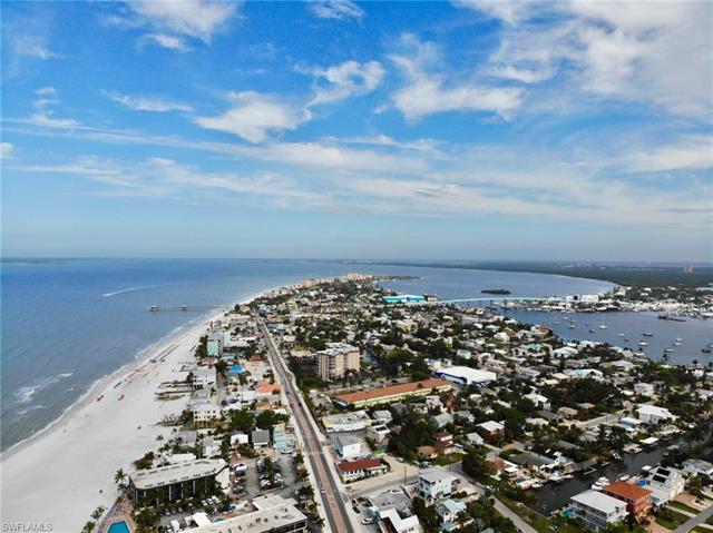 315 Mango St, Fort Myers Beach, FL - USA (photo 2)