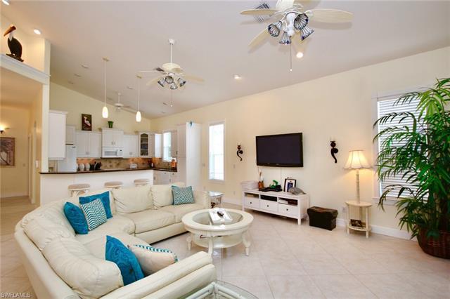 315 Mango St, Fort Myers Beach, FL - USA (photo 4)