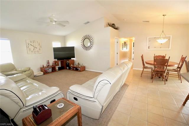 70 Lynne St, Lehigh Acres, FL - USA (photo 3)