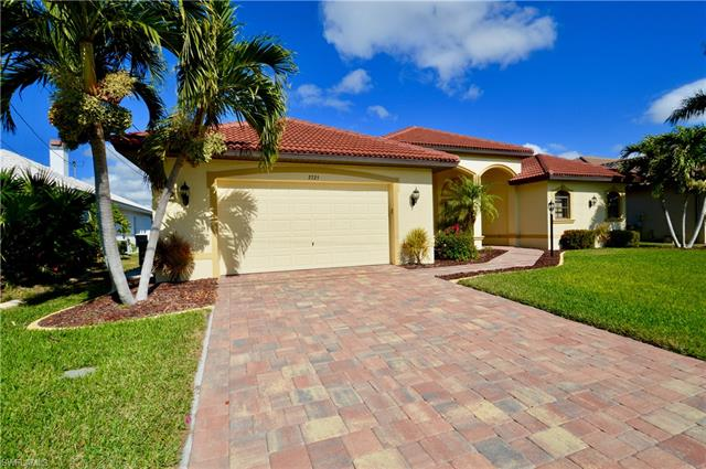 2725 Sw 52nd St, Cape Coral, FL - USA (photo 2)