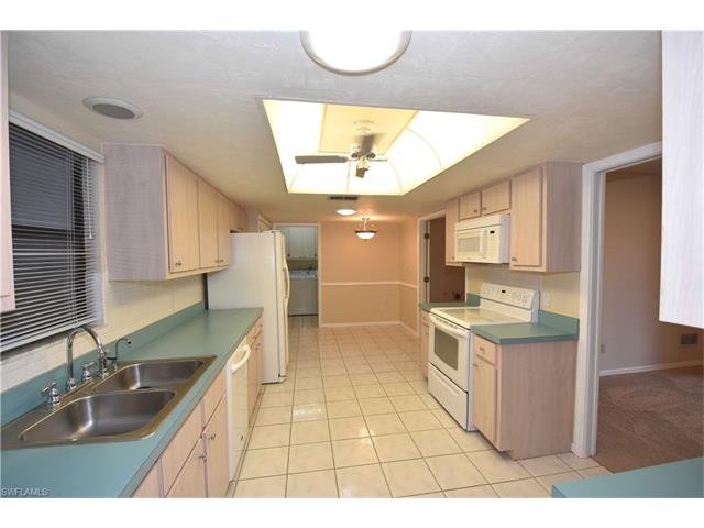 5677 Baden Ct, Fort Myers, FL - USA (photo 4)