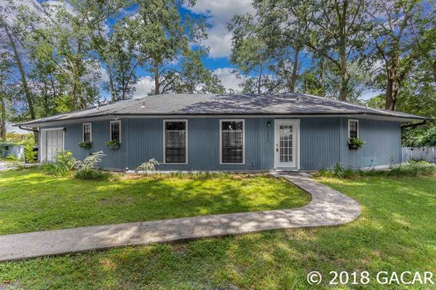 Traditional, Detached - Gainesville, FL