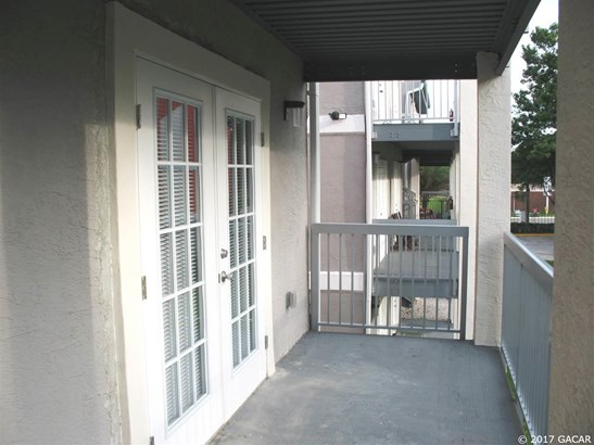 Townhouse, Contemporary - Gainesville, FL (photo 2)