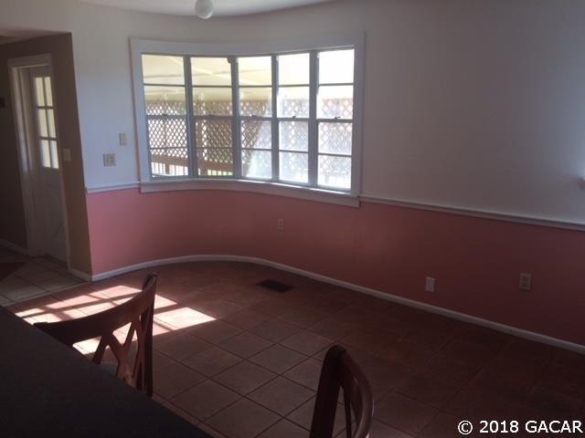 1 Story, Rental - Gainesville, FL (photo 2)