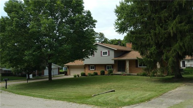2579 Mardella Drive, Beavercreek, OH - USA (photo 1)