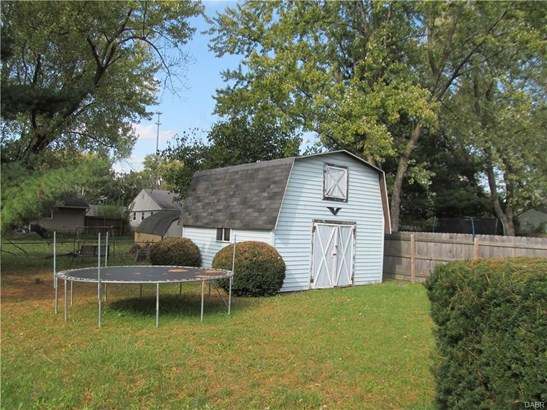 1017 White Pine Street, New Carlisle, OH - USA (photo 5)