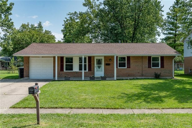 204 Lake Forest Drive, West Carrollton, OH - USA (photo 1)