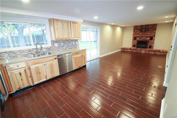 7287 Claircrest Drive, Huber Heights, OH - USA (photo 5)
