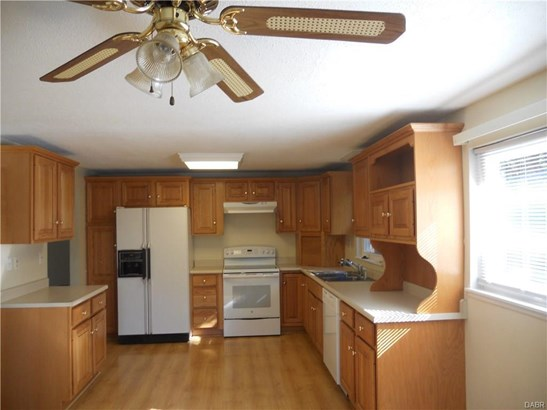 2935 Greencrest Drive, Kettering, OH - USA (photo 2)