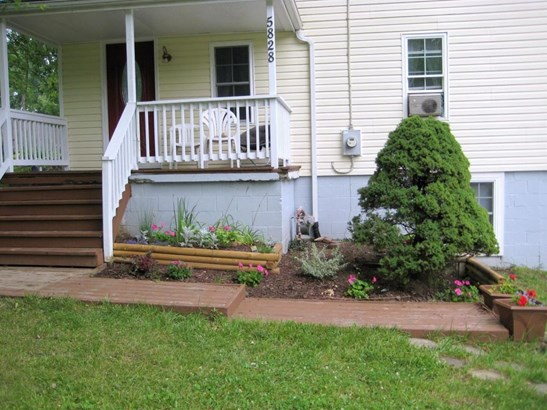 5828 Russell Avenue, Blue Ball, OH - USA (photo 4)