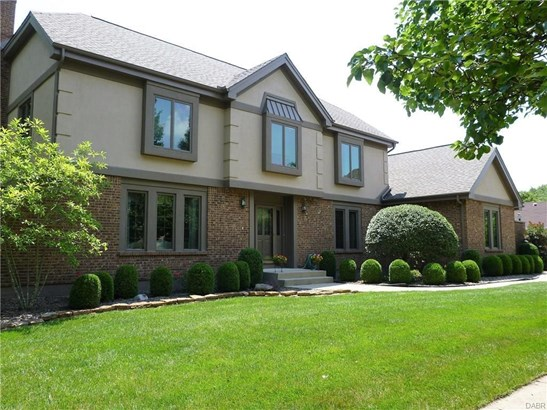 7880 Stonehouse Court, Centerville, OH - USA (photo 2)