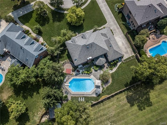 8911 Treeland Lane, Centerville, OH - USA (photo 2)