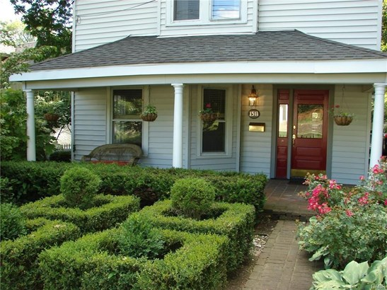 1311 Far Hills Avenue, Oakwood, OH - USA (photo 1)