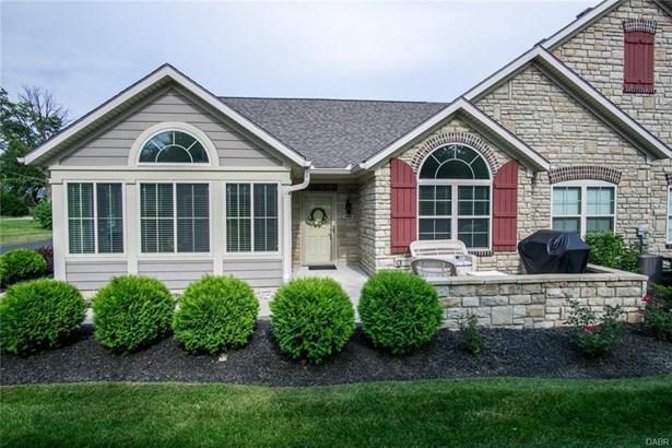 164 Scarborough Village Drive, Centerville, OH - USA (photo 1)