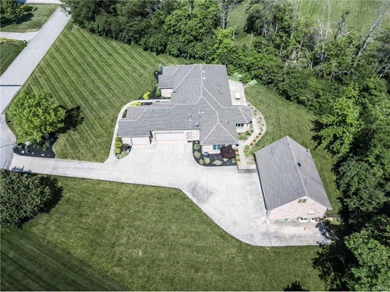 1361 Meadow Woods Court, Waynesville, OH - USA (photo 2)