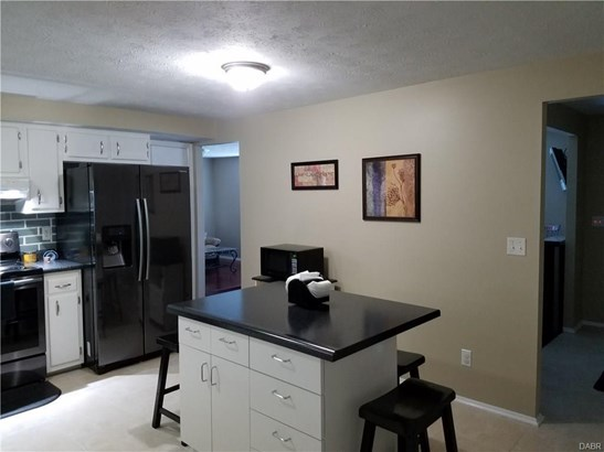 4908 Arrowview Drive, Huber Heights, OH - USA (photo 5)