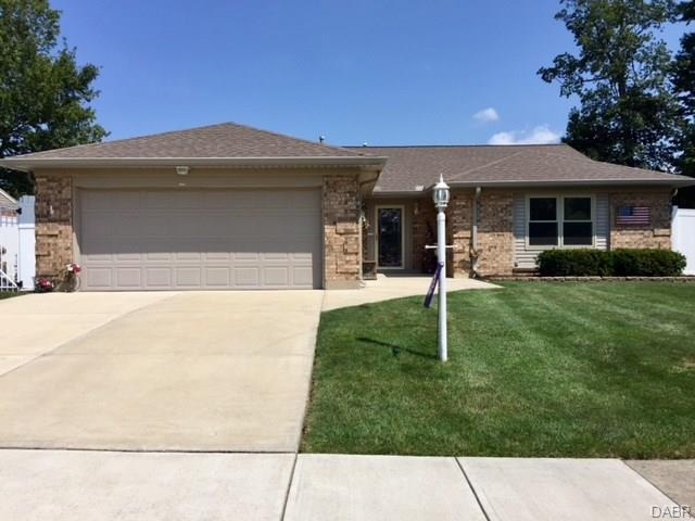 8561 Pinegate Way, Huber Heights, OH - USA (photo 1)