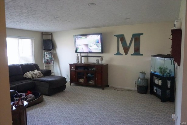 1339 Merribrook Court, Fairborn, OH - USA (photo 4)