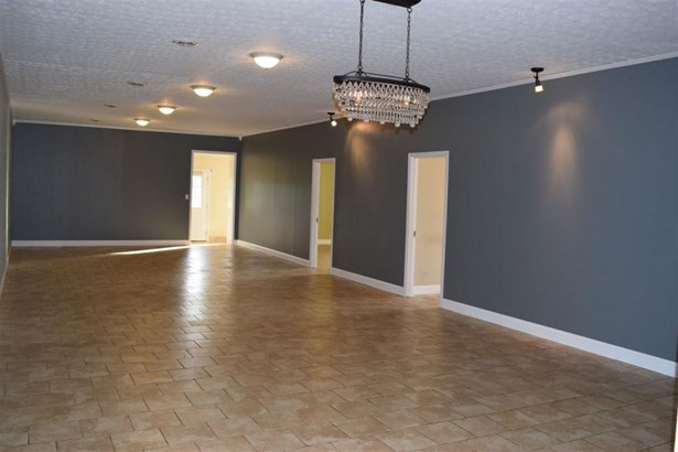 7802 Brownsville Rd , Smiths Grove, KY - USA (photo 4)