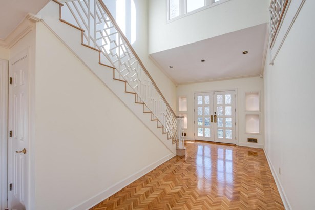 Traditional, 2 Story Basement,Residential - Knoxville, TN (photo 3)