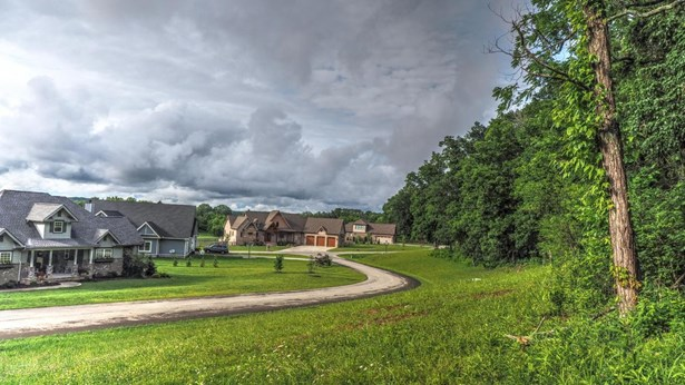 Single Family,Waterfront Access - Louisville, TN (photo 1)